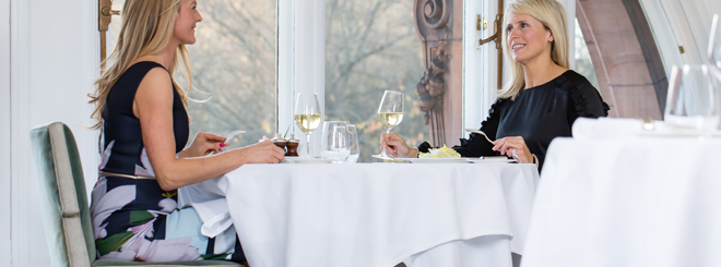 Exclusive i-on reader offer: Enjoy complimentary Champagne at The Pompadour by Galvin