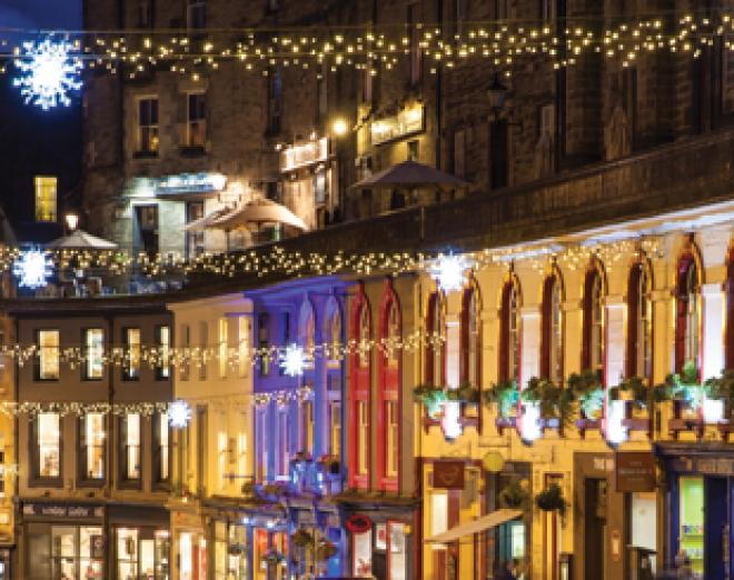 Christmas shopping in the Grassmarket area